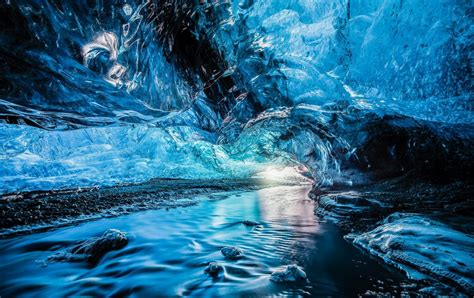 crystal ice cave iceland crystal cave sv 237 nafellsj 246 kull iceland feel the planet