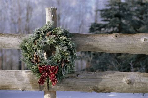 images of christmas garland on a fences 25 outdoor decoration ideas in pictures