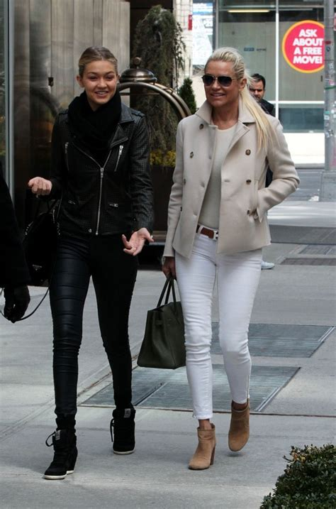 what kind of jeans does yolanda foster where yolanda foster and gigi foster photos photos yolanda