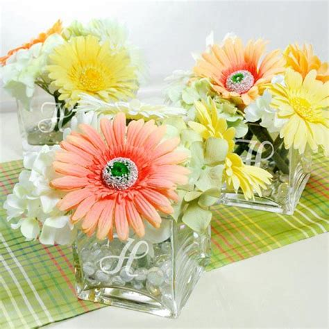 centerpieces with vases engraved glass vase centerpiece