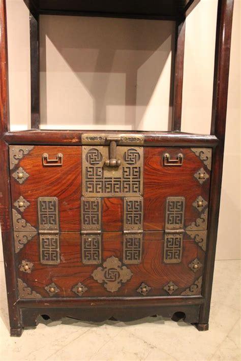 mobili giapponesi mobili giapponesi in legno di keyaki antiquariato su
