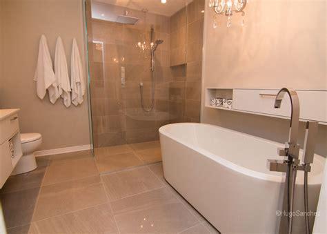 Attrayant Plinthe Salle De Bain #2: modern-functional-bathroom-1024x733.jpg