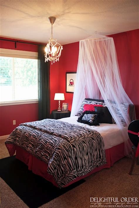 red and zebra print bedroom ideas 1000 ideas about zebra bedroom decorations on pinterest