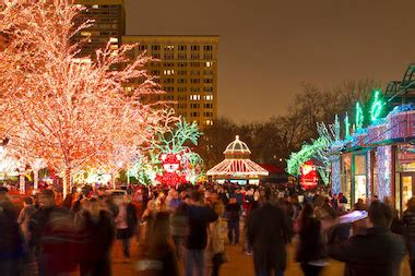 Zoolights The Ultimate Guide Lincoln Park Chicago Chicago Lincoln Park Zoo Lights