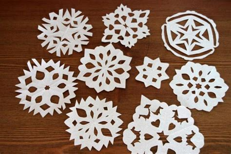 Make Paper Snowflakes For Decorations - how to make paper snowflakes hgtv