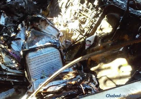 chabad candle lighting times los angeles arson attack in los angeles torches chabad emissaries car