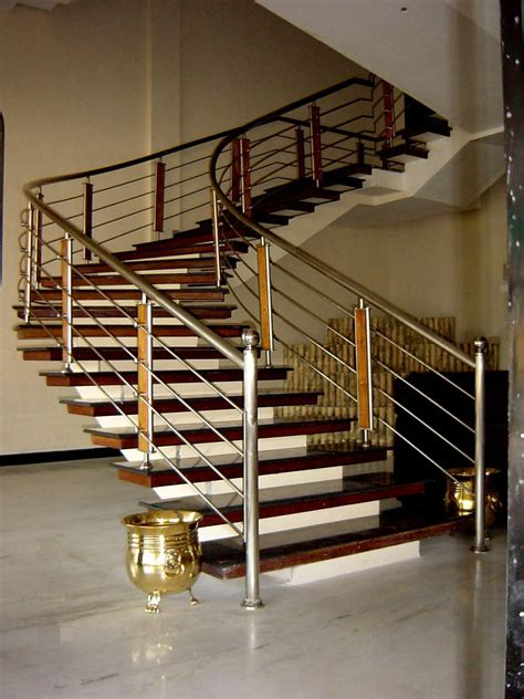 Steel Banisters by Steel Trader Shops Rohini Shops Delhi
