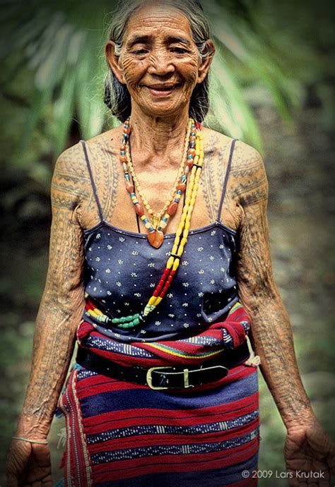 heavily tattooed women the kalinga batok festival lars krutak