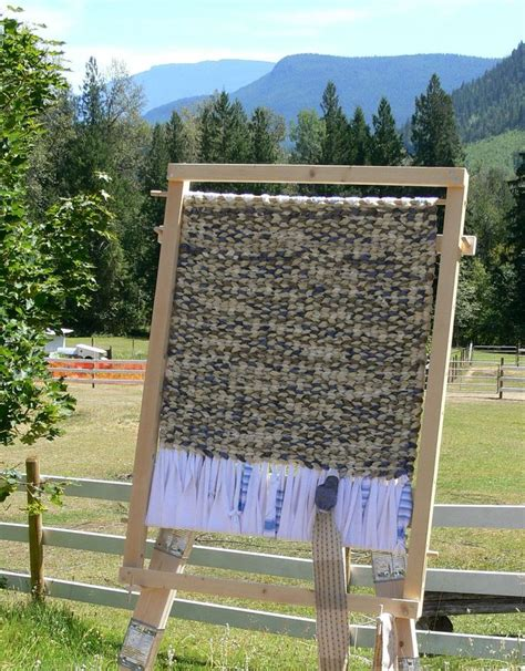 rug weaving loom plans 36 best images about rugs on country stores fabric rug and toothbrush rug