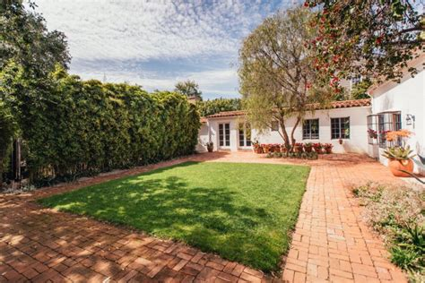 monroe house marilyn monroe s brentwood home is on sale for 6 9 million