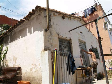 casa en venta en torre baro en nou barris en barcelona