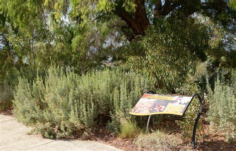 Botanic Gardens And Parks Authority Botanic Gardens And Parks Authority July 2014