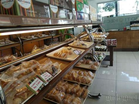 toko roti kecil jogja yogya gudegnet