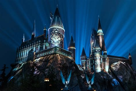 nighttime lights at hogwarts summer to do universal studios lights up