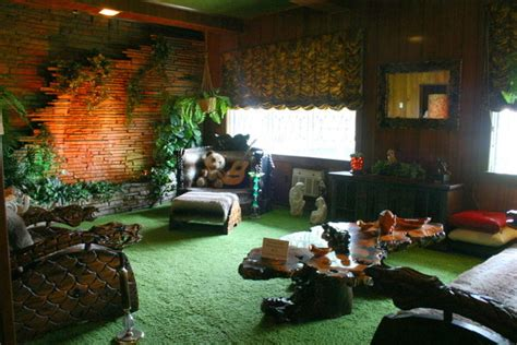 the jungle room the jungle room at graceland tennessee atlas obscura