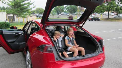 Tesla Model S 7 Seats Tesla Model S With 5 2 Seating 2 Rear Facing Seats