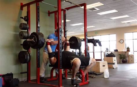 strongman bench press video strongman robert oberst attempts bench pr gymviral