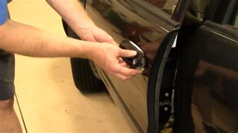 How To Install Exterior Door Knob by How To Replace Exterior Door Handle On 1998 2002 Toyota
