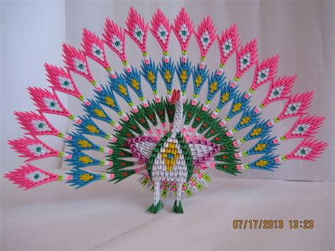 3d Origamy - 3d origami peacock with 19 tails 1538 pieces