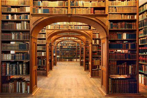 25 biblioteche pubbliche da far girar la testa corriere it