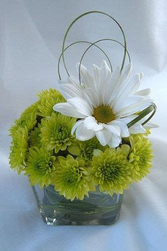 small floral arrangements best 25 small flower arrangements ideas on pinterest