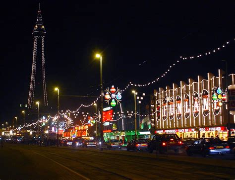 file blackpool tower and illuminations jpg wikimedia commons