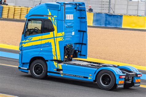 aftermarket volvo truck volvo truck images hd volvo truck pictures free to download