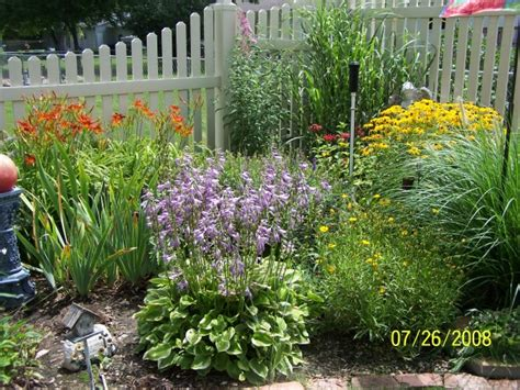 Information About Rate My Space Hgtv Fashioned Garden Flowers