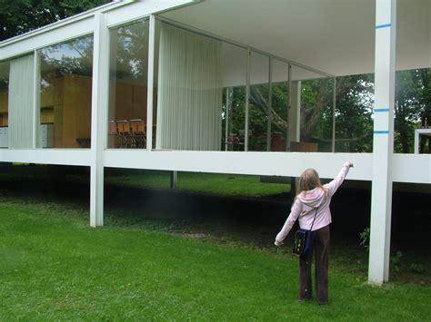 Farnsworth House 2011 Time Tells