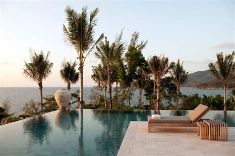 47 Incredible Infinity Pool Designs (Stunning Photos)