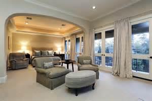 Large Master Bedroom Large Master Bedroom With Balcony Galleryhip Com The