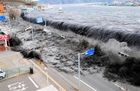 earthquake happening now earthquake in japan here there everywhere news for kids
