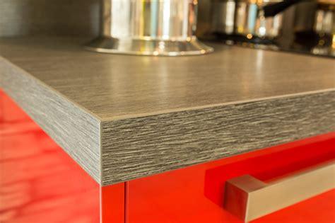 arbeitsplatte schichtstoff arbeitsplatten aus glas holz naturstein oder schichtstoff