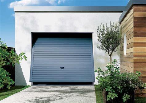 grundierung für fliesen garagentor neu streichen garagentor vergleich de