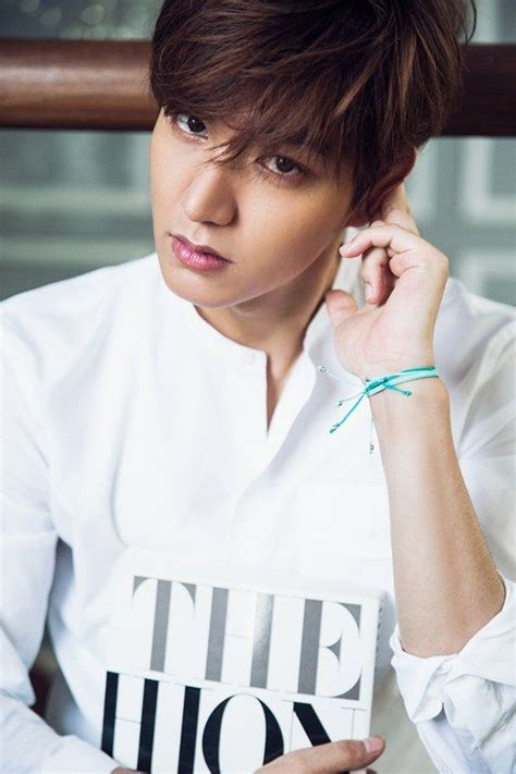 film lee min ho tersedih interview lee min ho quot hallyu star awkward but proud
