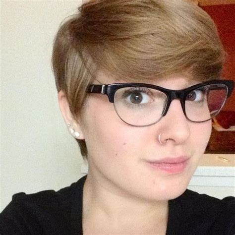 pixie hircut for fat women pixie for round face hair pinterest her hair long