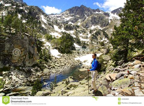 aigã estortes estany de sant maurici national park pyrenees spain 1 25 000 trekking map alpina books picturesque nature landscape with lake stock photo