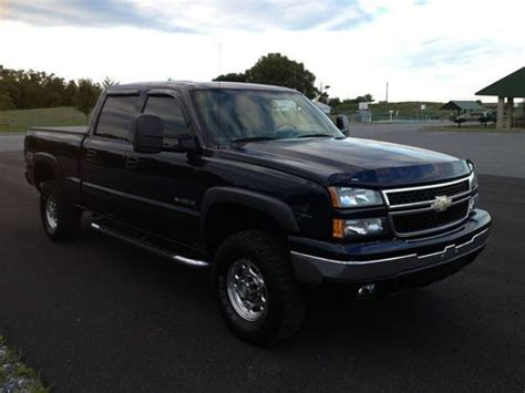 sell used 2006 chevrolet silverado 1500 hd lt crew cab