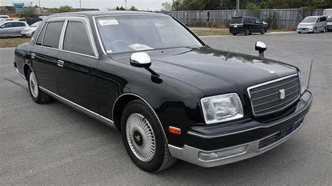 toyota century there s a 2000 toyota century v12 for sale in canada