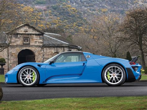 porsche 918 spyder blue world s only arrow blue porsche 918 spyder heads to