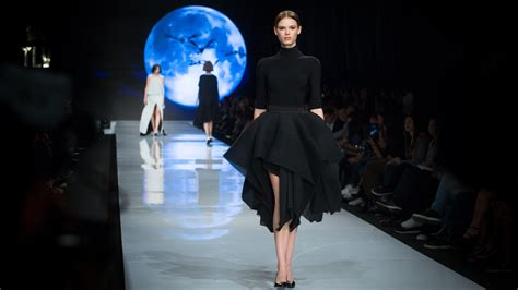 Cat Walk israeli vr tech takes fashiontv viewers the catwalk