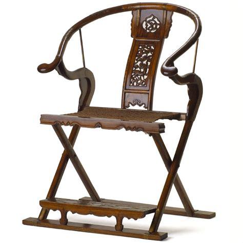 Horseshoe Furniture by Folding Horseshoe Armchair In Elm Or Black