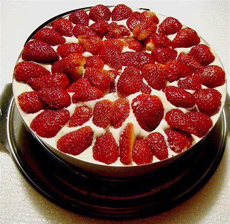 quark erdbeer kuchen kalorienarme erdbeertorte mit quark elkesonne
