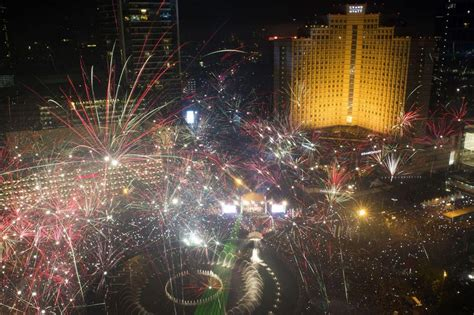 new year in jakarta new years in jakarta 2975898 9941 the wondrous pics