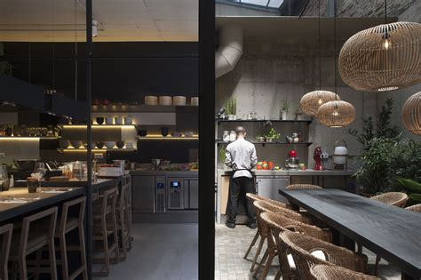 Woki Kitchen by Celeri Tarruella Trenchs Interioristas