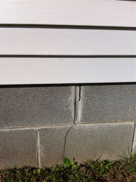 should i buy a house with a cracked foundation buying a house cracks floor how much foundation colors remodeling decorating