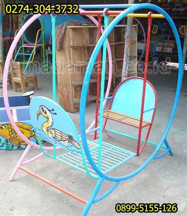 ayunan mainan anak mainan edukatif ape drumband wahana mainan anak outdoor ayunan bulat bergambar madaniah