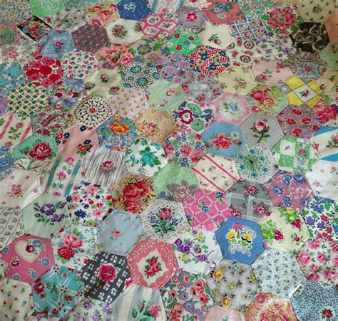 Hexagon Patchwork Quilt by 17 Best Images About Hexagon Quilting On Mini