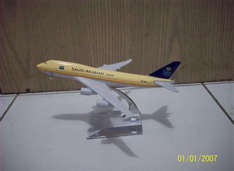 Miniatur Pesawat Citylink diecast miniatur pesawat saudi arabian b747 400 diecast