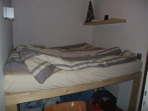 Bett Auf Kleiderschrank by Hochbett Bauen Meinzigartig